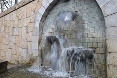 Strumień watera fontanna Zdjęcie Royalty Free