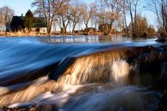strumień wody do wodospadu Obrazy Royalty Free