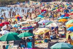 Strumpf auf dem Strand lizenzfreie stockfotografie