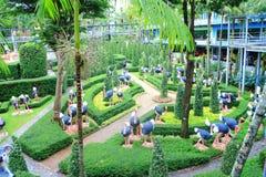 Strusi statua ogródu widok zdjęcie royalty free