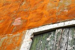Struttura antica ASTRATTA di porta e della parete in Burano, Italia fotografia stock