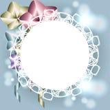 Struttura bianca con gli ornamenti per l'invito, biglietto di auguri per il compleanno con le sedere Fotografia Stock Libera da Diritti