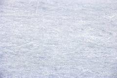 Struttura bianca del fondo della pista di pattinaggio di pattinaggio su ghiaccio con i graffi fotografie stock libere da diritti