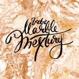 Struttura bianca e dorata del marmo di vettore Passi la pittura di tiraggio con la struttura marmorizzata e l'oro e bronzi i colo royalty illustrazione gratis