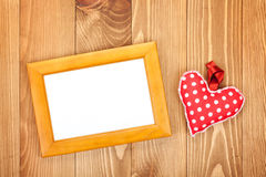 Struttura in bianco della foto e cuore rosso Fotografia Stock
