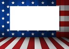 Struttura in bianco della tela su progettazione della bandiera di U.S.A. su fondo di legno Fotografia Stock