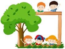 Struttura in bianco surroeded dai bambini e dall'albero illustrazione di stock