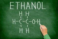 Struttura chimica della molecola dell'alcole dell'etanolo immagine stock libera da diritti
