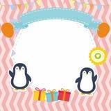 Struttura/confine svegli con il vettore adorabile del pinguino Immagini Stock