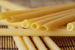 Struttura cruda del fondo dell'alimento degli spaghetti italiani Fotografia Stock Libera da Diritti