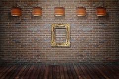 Struttura d'annata di legno accanto alla parete Immagini Stock Libere da Diritti