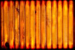 Struttura del fondo del bordo di legno Rifinitura di legno della parete Interior design, vernice brillante verticale Fotografie Stock