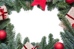 Struttura del fondo di Natale con i rami dell'abete e l'altro decoratio Fotografia Stock Libera da Diritti