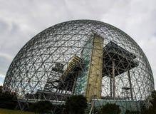 Struttura del metallo della biosfera a Montreal immagini stock libere da diritti