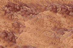 Struttura del minerale o del suolo della bauxite in una miniera illustrazione di stock