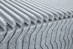 Struttura del primo piano delle mattonelle di tetto concrete Fotografie Stock