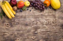 Struttura della frutta su fondo di legno Fotografie Stock Libere da Diritti