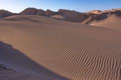Struttura delle dune sabbiose nel deserto Immagini Stock