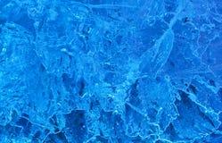Struttura di ghiaccio con l'indicatore luminoso della parte posteriore del blu. Fotografie Stock Libere da Diritti