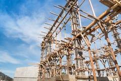 Struttura di legno che sostiene la struttura del fascio Immagine Stock