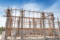 Struttura di legno che sostiene la struttura del fascio Immagini Stock