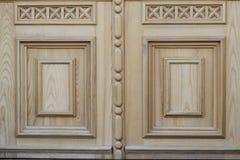 Struttura di legno con il modello Frammento della porta di legno fotografia stock