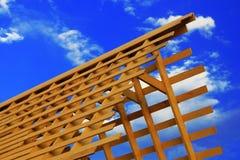 Struttura di legno del tetto del triangolo Fotografie Stock Libere da Diritti