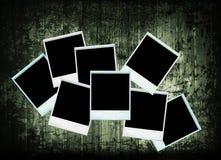 Struttura di legno dell'accumulazione della foto dei polaroids dell'annata Immagini Stock Libere da Diritti