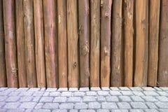 Struttura di legno della parete del palo immagini stock