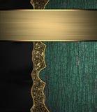 Struttura di legno di lerciume con il modello dell'oro e un segno per testo Fotografia Stock Libera da Diritti