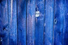 struttura di legno stagionata variopinta del recinto immagini stock