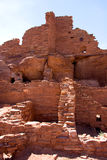 Struttura di pietra antica di sbriciolatura, pueblo di Wupatki Fotografia Stock