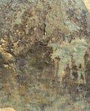 Struttura di pietra verde sulla spiaggia immagini stock