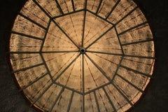 Struttura di tetto esagonale del soffitto della casa del suolo Fotografia Stock