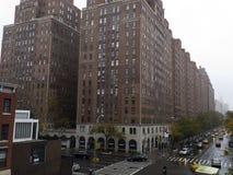 Struttura edile residenziale gigantesca del mattone in Manhattan New York Fotografia Stock