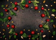 Struttura fresca del ravanello su fondo nero Immagini Stock Libere da Diritti