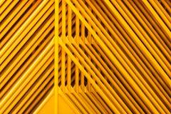 Struttura gialla dei tubi Fotografie Stock Libere da Diritti