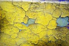 Struttura incrinata gialla della parete Fotografie Stock Libere da Diritti