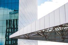 Struttura metallica triangolare di costruzione corporativa fotografia stock