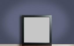 Struttura nera spessa in bianco della foto sulla porpora fotografie stock