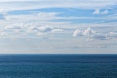 Struttura profonda del mare dell'acqua blu immagine stock