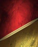 Struttura rossa con gli ornamenti dell'oro Elemento per progettazione Mascherina per il disegno copi lo spazio per l'opuscolo del Immagini Stock