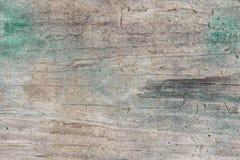Struttura scura di vecchio legno naturale con le crepe da esposizione al sole ed al vento Immagine Stock Libera da Diritti