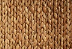 Struttura tessuta africana del cestino orizzontale fotografie stock