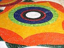 Strutture variopinte sulle mattonelle su un pavimento Immagine Stock Libera da Diritti