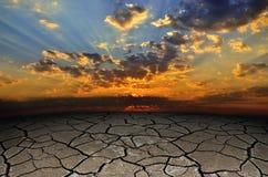 Strutturi incrinato, asciughi la superficie della terra Fotografia Stock Libera da Diritti