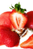 Strwberry com gelado Fotografia de Stock Royalty Free