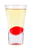 strzał Alkoholiczny napój na białym tle zdjęcie royalty free