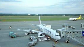 Strzał handlowi lotniczy samoloty dostaje przygotowywający zdejmował zdjęcie wideo