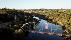 Strzał most nad rzeką truteń 4K california USA zbiory